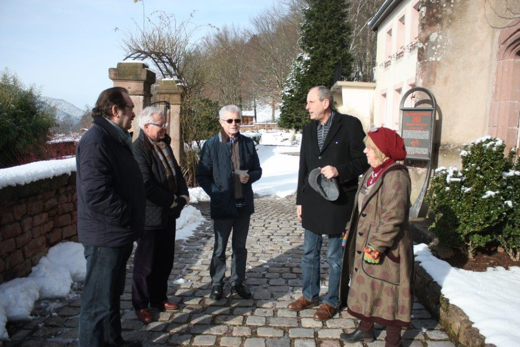 Visite de Jackie Frémont et Jean-Paul Serin de la Fondation du patrimoine et de l'abbé Philippe Baldacini, curé de la paroisse en présence de Jean-François Riotte et Marie-Claude Bourdon le 3 février 2015
