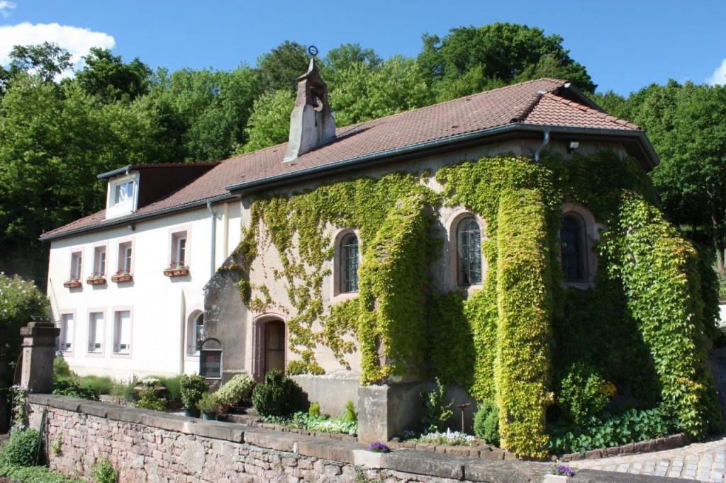 La chapelle et l'ancienne ferme