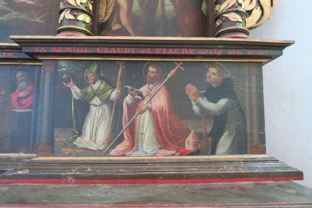 Photo d'une partie de la prédelle du retable de Claude Bassot (1625) : Saint Rémi, Saint Claude et Saint Fiacre.