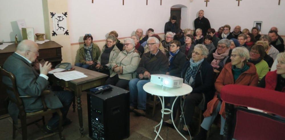 Photo de l'orateur et du public
