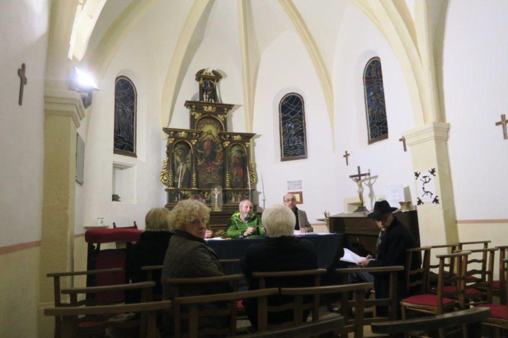 Vue de l'assemblée dans la chapelle